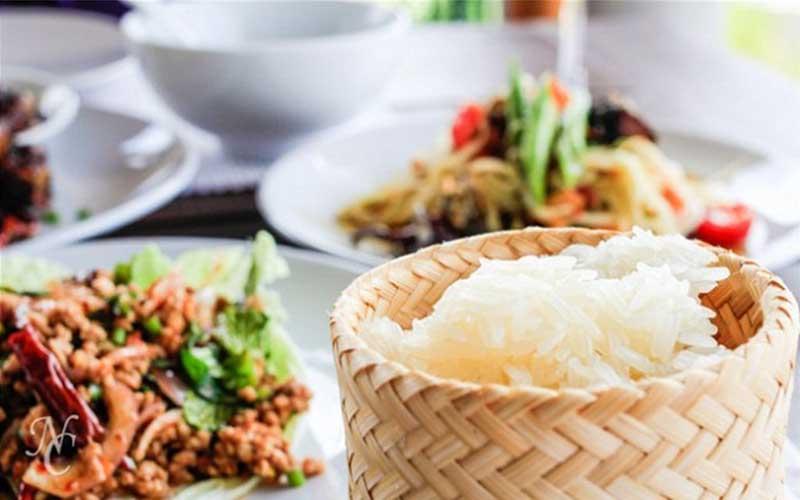Món ăn truyền thống của Lào